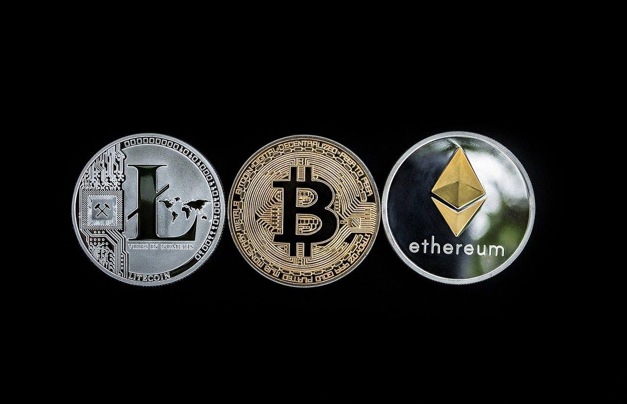 Bitcoin, Ethereum και Altcoins Εμπορικές Συναλλαγές κοντά σε σημαντική ζώνη καμπής